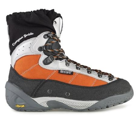 Botas Barrancos Bestard Canyon Guide